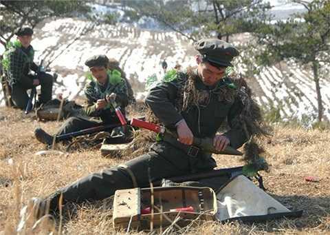 Triều Tiên tuyên bố cắt đường dây nóng quân sự với Hàn Quốc và bước vào tình trạng chiến tranh - Ảnh:KCNA