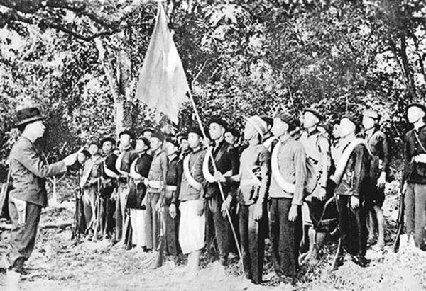 Đội Việt Nam tuyên truyền giải phóng quân ngày mới thành lập.