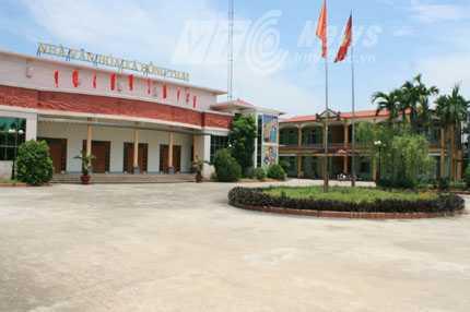 Trụ sở UBND xã Hồng Thái, nơi côn đồ đánh dập sống mũi cán bộ xã - Ảnh Minh Khang