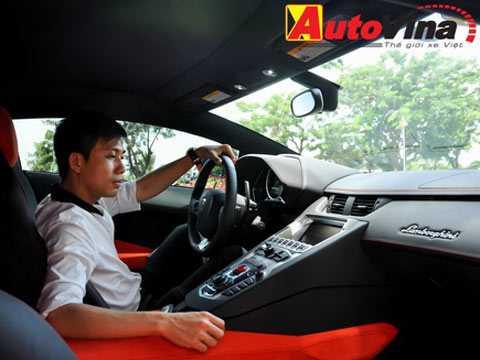 Đại gia Minh nhựa lần đầu chia sẻ về dàn xe siêu khủng của mình.