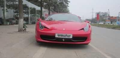 Ferrari 458 Italia Đây là siêu xe tốc độ được khá nhiều đại gia Việt Nam ưa thích. Hiện đã có khoảng hơn 10 chiếc Ferrari 458 Italia tại Việt Nam.