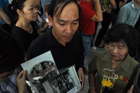 Cựu thanh niên xung phong với những bức hình của Đại tướng
