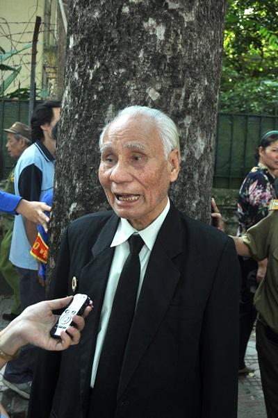 Cựu chiến binh Nguyễn Đình Phòng đã từng đạp xe vào thăm nhà Đại tướng ở Quảng Bình trong chuyến đi công tác