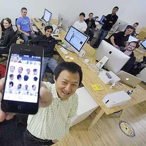 Bill Nguyễn là một trong những người được Forbes bình chọn nằm trong top 40 doanh nhân dưới 40 tuổi giàu nhất nước Mỹ.
