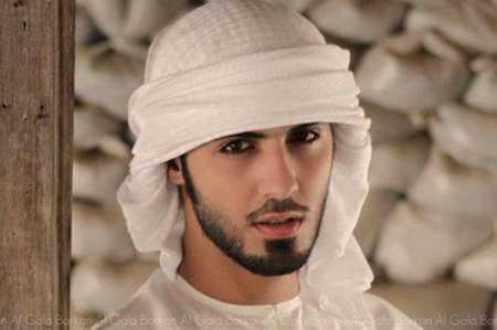 Vẻ đẹp trai đang mang lại nhiều rắc rối cho Omar Al Borkan Gala