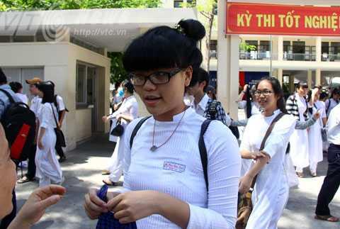 Theo thí sinh Hoài An, hội đồng thi trường THPT Trần Phú (Đà Nẵng), đề thi môn Ngữ Văn năm nay hay và thực tế