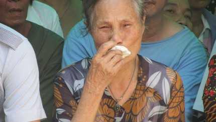 Nỗi đau của người mẹ mất cả con ruột và con dâu.
