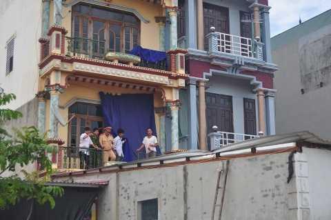 Mái nhà nơi người phụ nữ bị văng lên và tử vong
