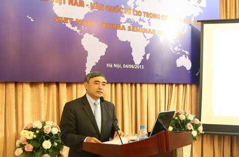Thứ trưởng Nguyễn Minh Hồng phát biểu khai mạc Hội thảo.