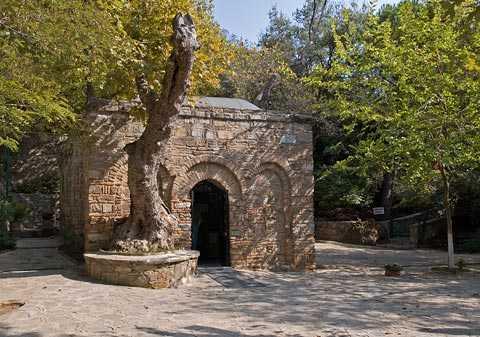 Ngôi nhà của Đức Mẹ Đồng Trinh Maria ở gần thành phố cổ Ephesus, phía Tây Nam đất nước Thổ Nhĩ Kỳ.
