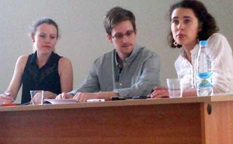 Cựu điệp viên Mỹ Snowden