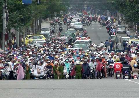 Người nghèo ở Đà Nẵng sẽ được miễn thu phí đường bộ