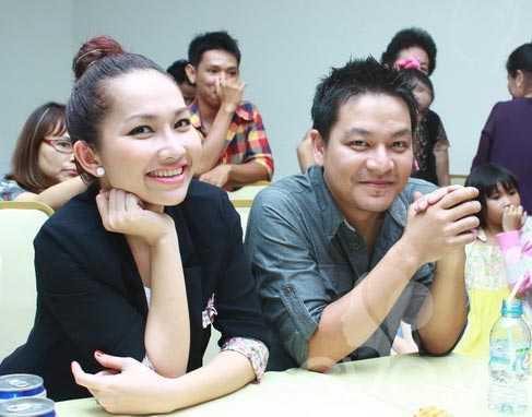 Kim Hiền và bạn trai lần đầu xuất hiện cùng nhau trong buổi tiệc mừng kiện tướng dancesport Khánh Thy mở trung tâm dạy nhảy mới.
