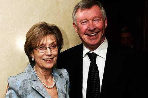 Alex Ferguson nghỉ hưu phải chăng vì lý do gia đình