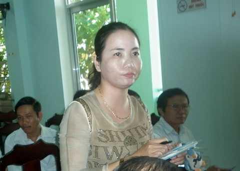 Nữ hộ sinh Trạm Y tế Hà Lam (Thăng Bình, Quảng Nam) Dương Thị Thu Thủy đã từ chối nhận quyết định khen thưởng