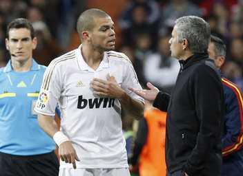 Mourinho và Pepe đang diễn trò?