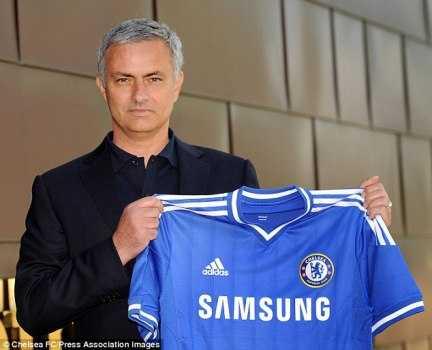 Mourinho đã trở lại Chelsea để tiếp tục giấc mơ còn dang dở.