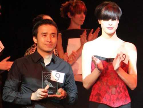 Nguyễn Trường Sơn và mẫu tóc nhận được giải thưởng