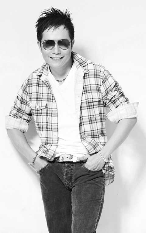 Jimmii Nguyễn cho rằng vai trò lớn nhất trong công cuộc chấn hưng lại nhạc Việt thuộc về truyền thông.