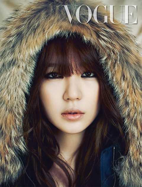Hình ảnh Mỹ nhân xứ Hàn Yoon Eun Hye sang trọng, quyến rũ trong trang phục áo khoác dành cho mùa đông trên tạp chí thời trang Vogue phát hành tháng 9 tới đây.