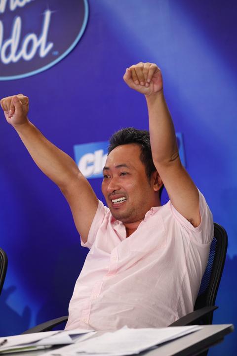Đạo diễn Nguyễn Quang Dũng tiếp tục ngồi 'ghế nóng' Vietnam Idol 2013.