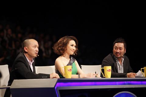 Bộ 3 giám khảo Vietnam Idol 2012: Quốc Trung, Mỹ Tâm và Nguyễn Quang Dũng.