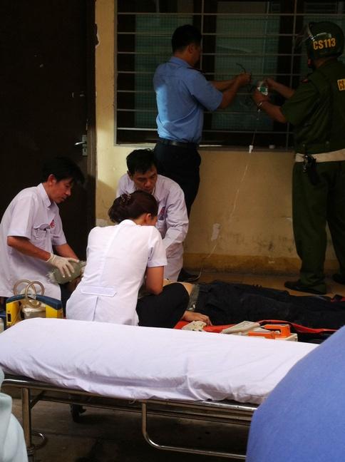 Y, Bác sĩ tích cực sơ cứu nạn nhân nhưng vô vọng