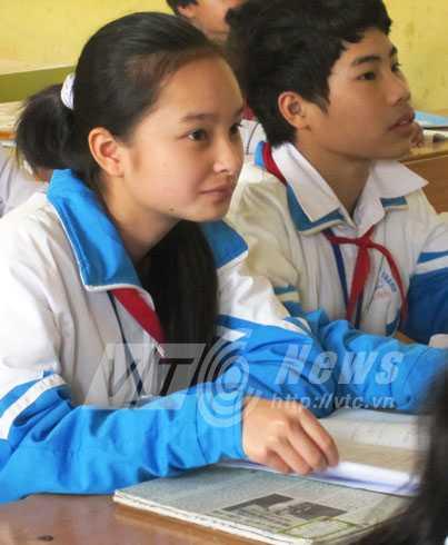 Em Huyền Oanh không thể tin rằng có lúc mình đã cười khóc náo loạn cả trường lớp