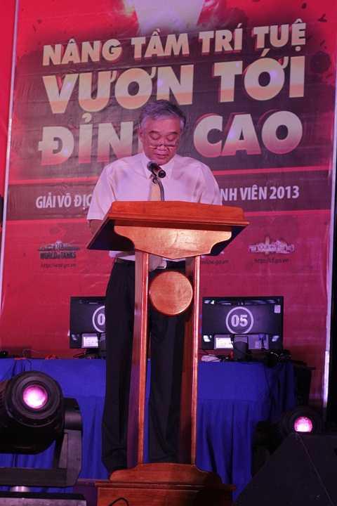 Ông Nguyễn Mạnh Phú, Phó Hiệu trưởng trường Đại học Thể dục Thể thao phát biểu trong đêm Gala