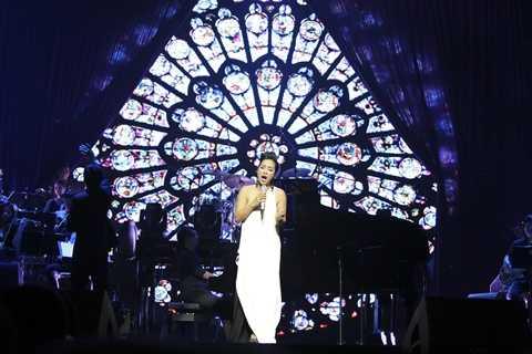 Mỹ Linh đã có những phần trình diễn xuất sắc tối qua với giọng hát điêu luyện tràn đầy cảm xúc.