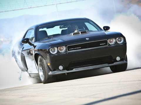 Fast and Furious giúp tôn vinh các dòng xe cơ bắp Mỹ. Ảnh Edmunds