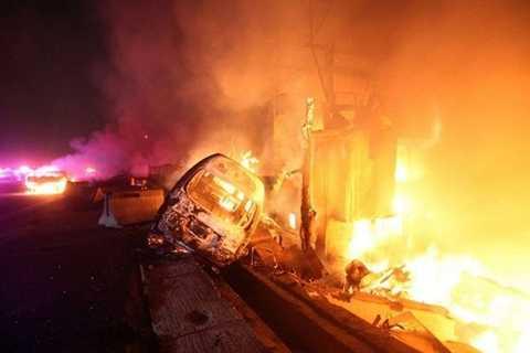 Lửa cháy kinh hoàng ở hiện trường vụ nổ