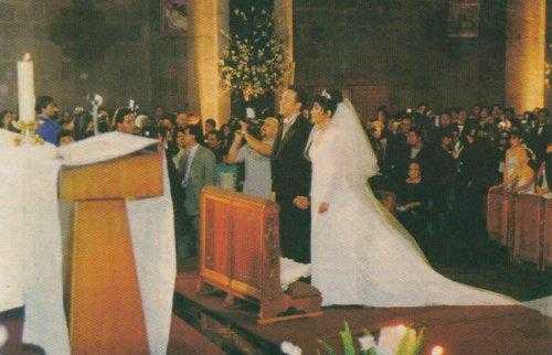 Đám cưới của hai nhân vật nổi tiếng thu hút được sự chú ý của giới truyền thông và công chúng.