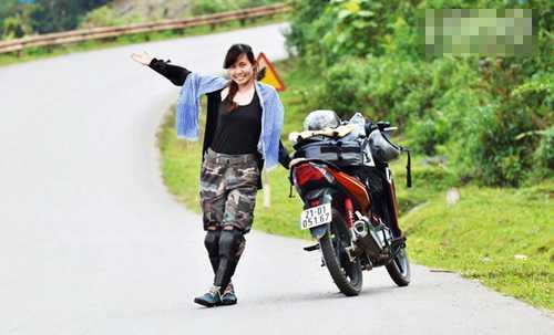 Khó khăn lớn nhất trong những chuyến đi của   cô nàng cá tính này là thuyết phục gia đình. Hạnh kể, chuyến đi tình   nguyện trước dài lắm cũng chỉ kéo 10-15 ngày, hành trình đạp xe xuyên   Việt mà cô nàng đăng ký mất tới 35 ngày.