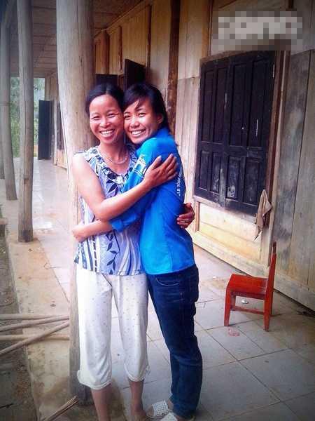 Đáng nhớ nhất là chuyến đi Sinh Tàn, Phú Thọ   trong Mùa hè xanh 2012. Hạnh nói: