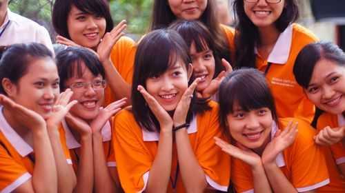 Hòa Bình tham gia rất nhiều hoạt động của trường, lớp.