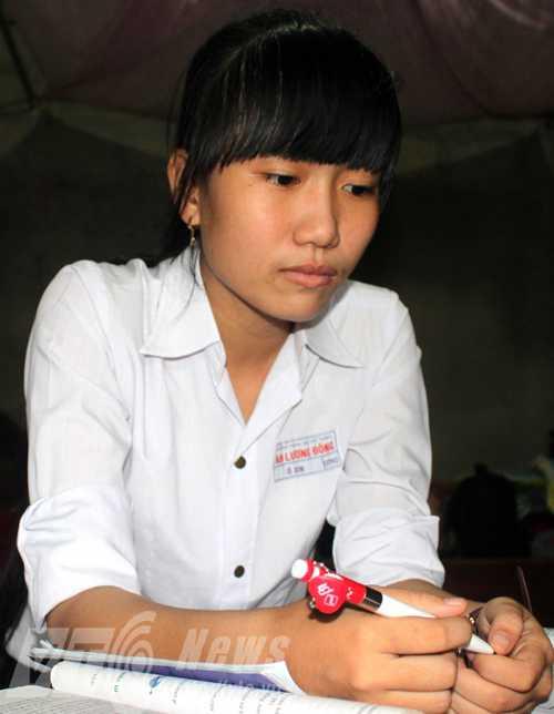 Ô Xin từng là thủ khoa trong kỳ thi tốt nghiệp THPT với số điểm 55,5  (Ảnh Đan Ngọc)