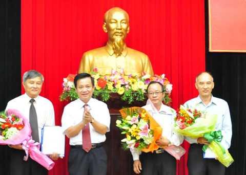 Sáng 15/7, Thành ủy Đà Nẵng đã tổ chức ra mắt Ban Nội chính Thành ủy Đà Nẵng gồm một Trưởng ban và hai Phó ban.