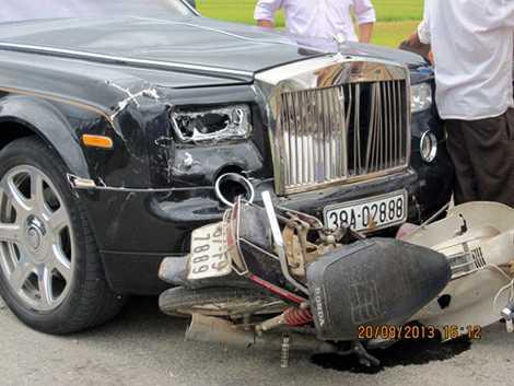 Rolls-Royce Phantom Rồng gặp nạn ở Hà Tĩnh