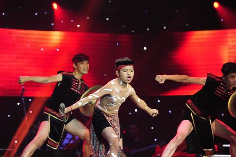 Nguyễn Quang Anh thể hiện ca khúc Thềnh thềnh oong ơi
