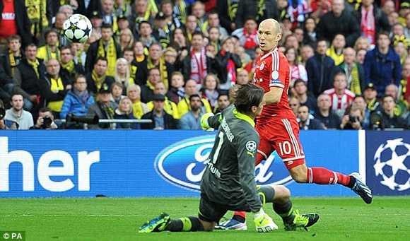 Robben bỏ lỡ cơ hội