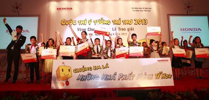 Các em nhỏ giành giải thưởng của cuộc thi với những ý tưởng độc đáo nhất