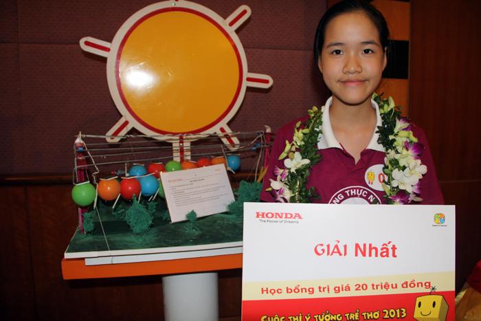 Em Nguyễn Khánh Linh, lớp 5A trường Tiểu học            Thực nghiệm, Hà Nội lại thuyết phục Ban Giám khảo bởi ý tưởng hết sức            khả thi Cáp treo con sâu.