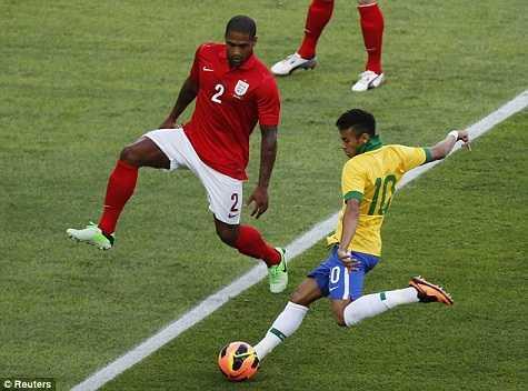 Brazil tấn công dồn dập ngay từ những phút đầu tiên