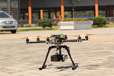 Công nghệ máy bay không người lái được trình diễn tại ĐH FPT