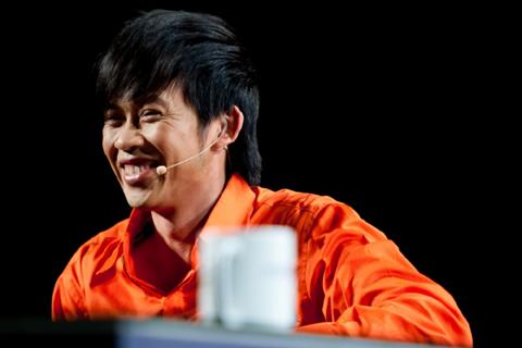Hoài Linh thay Siu Black ngồi ghế giám khảo .