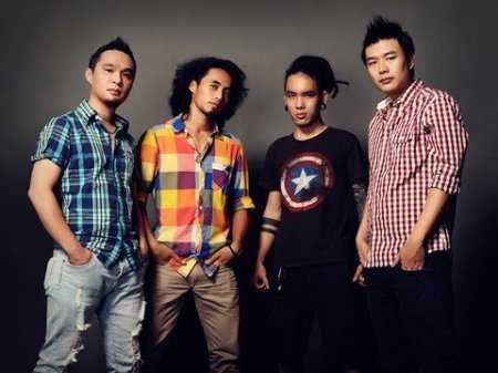 Các rock band đình đám như: PAK Band của 'sao mai điểm hẹn' Phạm Anh Khoa, Microwave, UnlimiteD... cũng xuất hiện để 'đốt cháy' không khí.