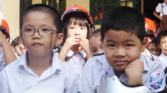 Học sinh bị tật khúc xạ ít có cơ hội chọn trường