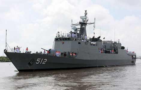 Tàu hải quân Thái Lan HTMS Narathiwat mới cập cảng TP.HCM hôm 17/5