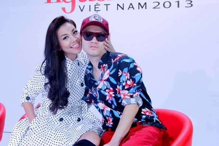 Thanh Hằng cùng Đỗ Mạnh Cường pose hình rất 'teen'.